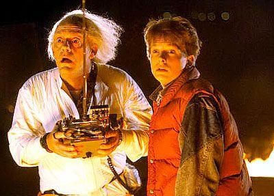 """E' una dei pietre miliari del cinema degli anni 80, nonché uno dei film più amati di tutti i tempi. """"Ritorno al futuro"""" di Robert Zemeckis, uscito nel 1985, ha messo in scena quello che è il sogno impossibile di tante persone: viaggiare nel tempo! Tutti abbiamo sognato col personaggio interpretato da Micheal J. Fox."""