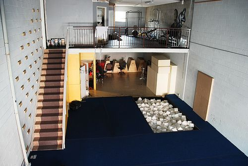 Home Gym Campus Rungs Stairs Railing Foam Pit Spring