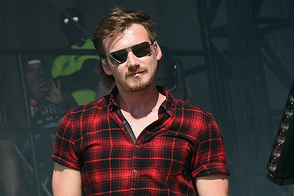 Morgan Wallen Sees Past Heartbreak With Whiskey Glasses Listen Country Music Morgan Whiskey Glasses