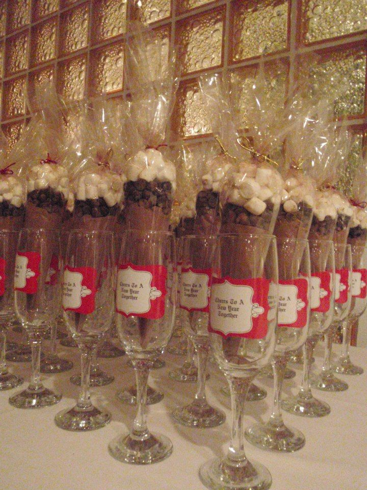 New Years wedding favours Champagne flutes,Cheers to a New Year Together