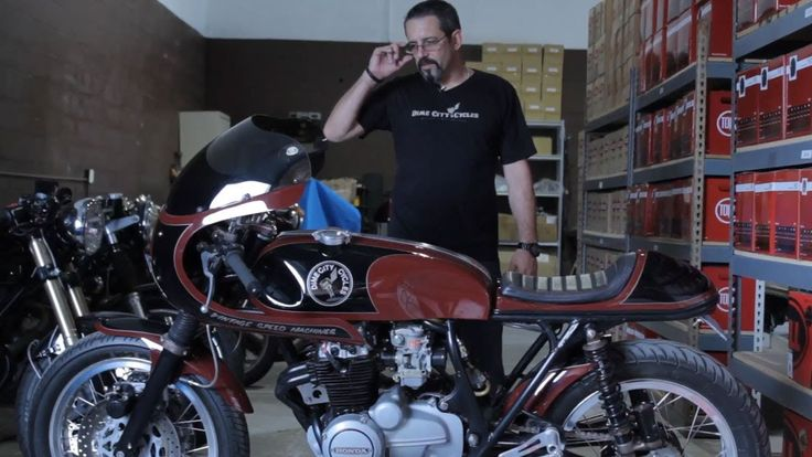 Honda CB400 Cafe Racer by Dime City Cycles