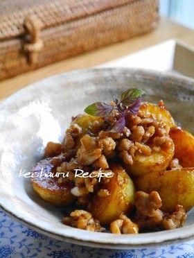 定番ソース味★ジャガイモの鶏そぼろ煮