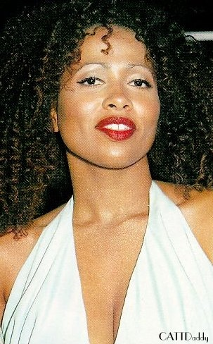 Lisa Nicole Carson - talented actress & singer/ goddess, One of my favorite actresses, beautiful in Love Jones.