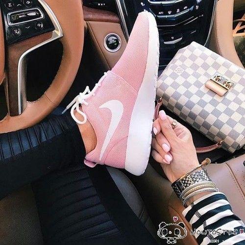 Womens Nike Roshe Run One Cherry Pink 511882-610 | roshe run