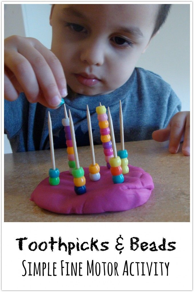 Toothpicks & Beads om de fijne motoriek te oefenen