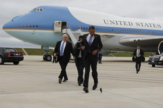 Obama drops his Blackberry outside Air Force One  (Charles Dharapak/AP): Phones User, U.S. Presidents, Cell Phones, Posts, Obama Drop, Air Force One, Blackberries, Politics Pollster, Landlin User