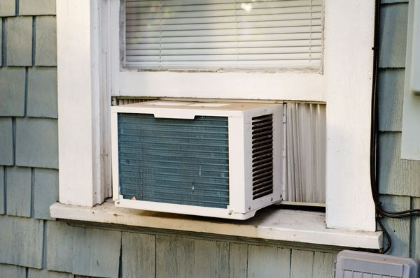 Troubleshooting for Window-Mounted Room Air Conditioners #repair #window #air #conditioner http://fiji.remmont.com/troubleshooting-for-window-mounted-room-air-conditioners-repair-window-air-conditioner/  # Window-Mounted Room Air Conditioner Troubleshooting Window Mounted Room Air Conditioner Design Daniel R. Burch / Getty Images The room air conditioner is like an entire central cooling system in one small package. There are the same components just shrunk down for the reduced duty of…