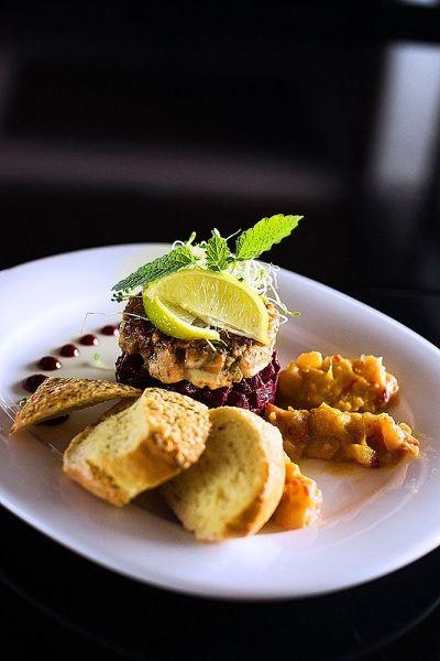 Restauracja Steak & Grill - tatar z łososia