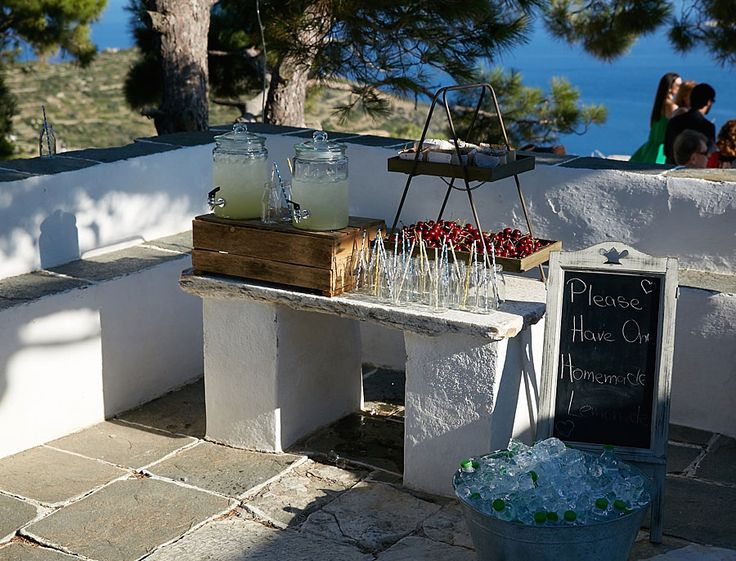 An unforgettable wedding at Sifnos … Nicoletta and Dimitris chose to tie the knot in the beautiful white island of Sifnos