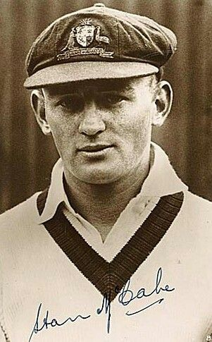 Stan McCabe,born Stanley Joseph McCabe 16 July 1910-25 August 1968.Australian cricketer who played 39 Test matches for Australia from 1930-1938.Right handed batsman and right arm medium paced bowler.A♥W
