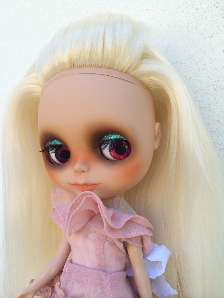 Blondie blythe custom by me in tan skin