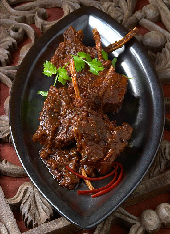 Bukhara's flagship restaurant is located in the CBD of #CapeTown and two other branches in Stellenbosch and Grand West Casino. Try it for some of the best #Indian cuisine in the city. #restaurants #TasteofRCH