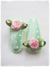 haarspeldjes mintgroen met stippen en roze roosjes