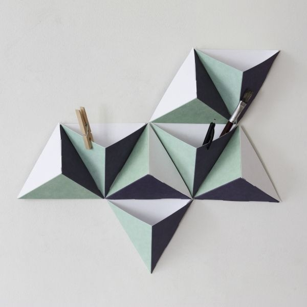 http://www.lapetitepapeteriefrancaise.fr/1575-thickbox/les-tri-angles-n2-by-papier-tigre.jpg