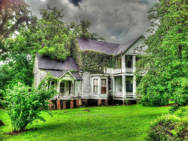courtland abandoned mansion (40)   Flickr - Photo Sharing!