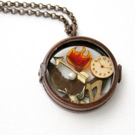 If you're a fan of The Hunger Games, you will love this easy-to-make charm locket!