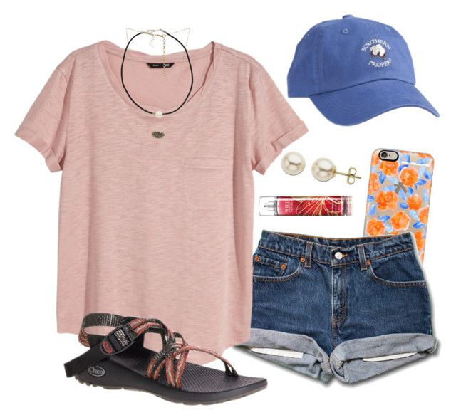 #summer #outfits / Baseball Cap + Beige Tee