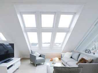 i always dream of having a cozy loft space like this, with a daybed or bed, to watch and listen to the rain...  :)