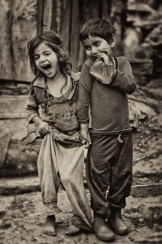 ~ l'insouciance des enfants laisse toujours rêveur, alors rêvons ! ~ via @nadgevron #happiness #laugh #sourires