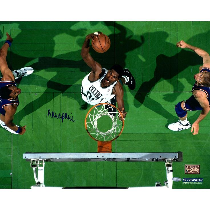 Robert Parish Celtics White Jersey Over Head Dunk 16X20 photo