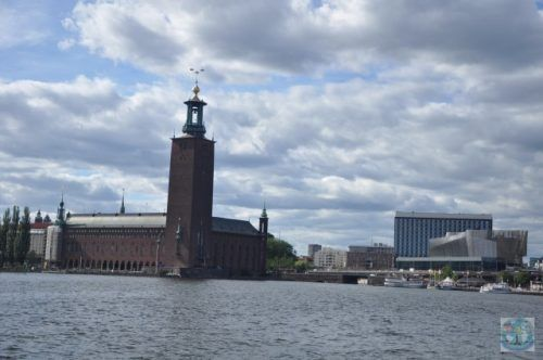 Stockholm archipelago is large and very beautiful. You have plenty to see in Sweden's capital, but there is more fun on a cruise through Stockholm harbour