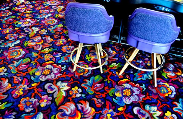 Psychedelic patterned carpets in Las Vegas casinos designed to keep gamblers awake - Telegraph