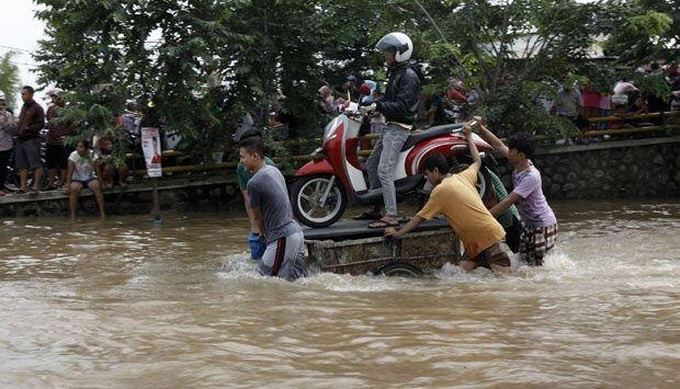 """Hot Island"" Picu Banjir Jakarta - http://www.gaptekupdate.com/2014/01/hot-island-picu-banjir-jakarta/"