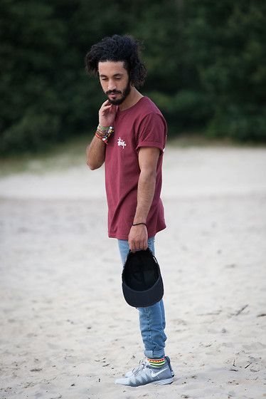 Get this look: http://lb.nu/look/6544186  More looks by Kas: http://lb.nu/kasisill  Items in this look:  Stüssy Logo Burgundy Tee, Primitive Smokersonly 5panel, Cheap Monday Skinny Jeans, Nike Flyknit Lunar 2   #street #streetstyle #streetwear #lookbook #look #aboutalook #todayslook #pose #ootdmen