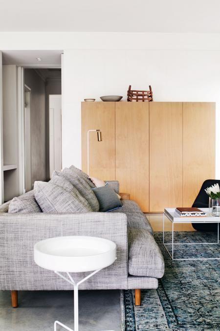 living-couch-home-tour-renovation-joseph-gardner-Prue-Ruscoe-Sept15