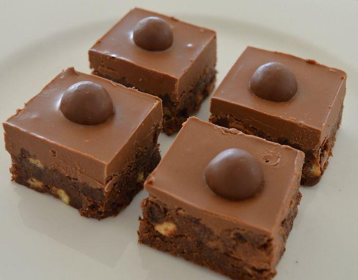 Nagyon nagyon csokis finomság, sütés nélkül!