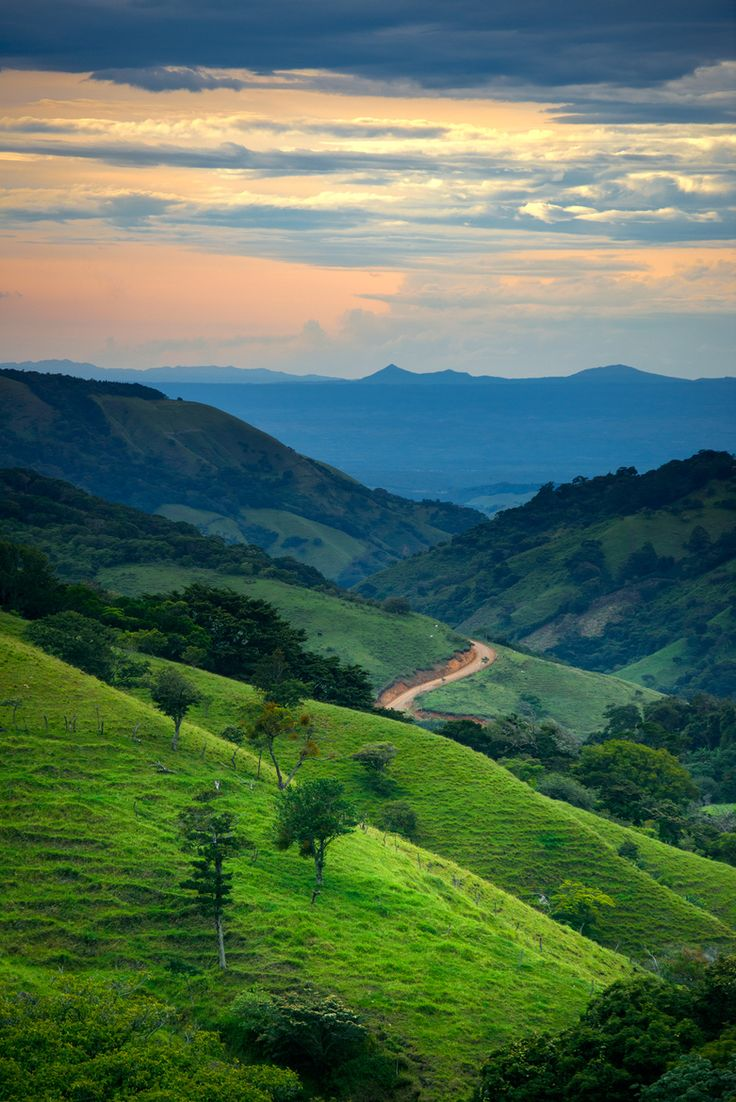 44 best spi costa rica images on pinterest costa rica central this does remind me of the road the fellowship have to take to destroy the one ringeven though its costa rica the road beyond monteverde cloude kristyandbryce Gallery