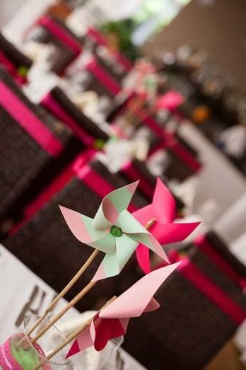 Vidám színek, mosolygós esküvő