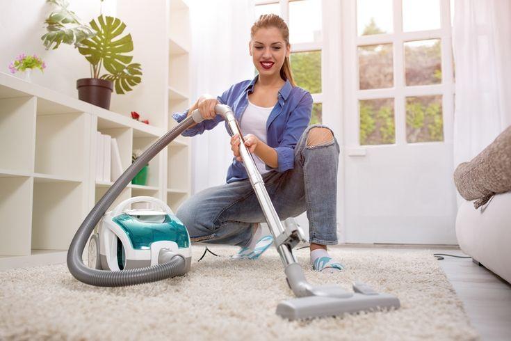 Teppichboden ist nach wie vor ein sehr beliebter Bodenbelag in Wohnräumen wie beispielsweise dem Schlafzimmer, Kinderzimmer oder Ess- und Wohnzimmer. Allerdings läßt sich Schmutz aus einem Teppich wesentlich schwerer entfernen als z. B. auf Parkett, Laminat, Vinyl, Kork, Linoleum oder Fliesen. Da der Teppich immer wieder verdreckt, weil sich hartnäckiger Staub und feuchter Schmutz tief …