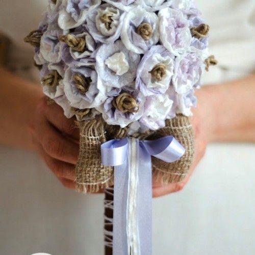 Come fare un bouquet da sposa con carta riciclata