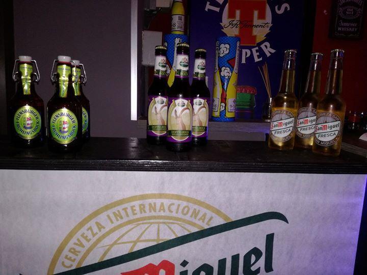 """Un fine settimana dedicato alla birra! 🍻Passate a conoscere la Flensburger, l'Herrnbräu doppel bock (un' esclusiva """"due di picche"""") e la San Miguel sale e limone. Prezzi pazzi 😱"""