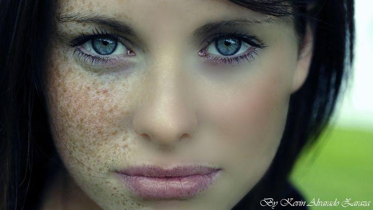 Acá les dejo la imagen que usé en el tutorial http://www.mediafire.com/view/?1v9181x19xseh1u aca hay otro video para arreglar fotos http://www.youtube.com/wa...