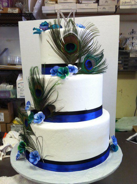 Peacock Wedding - by koffeekupcakes @ CakesDecor.com - cake decorating website