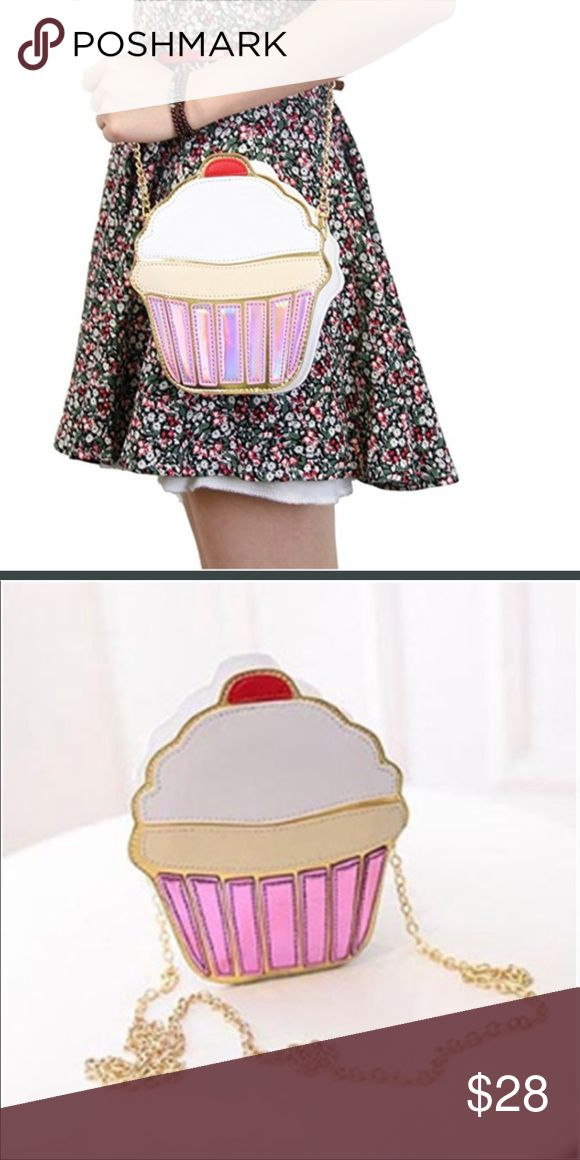 Cupcake Purse Cupcake purse designed with a metal shoulder strap and is a little on the small side. If seriously Interested, I can figure out the dimensions, but is pretty accurately sized next to the model picture Bags Shoulder Bags