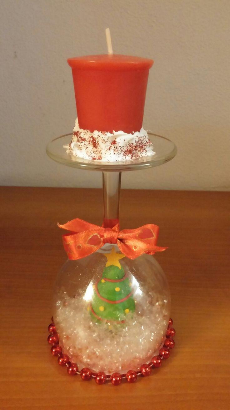 Bicchiere candela con albero di natale in fimo