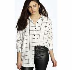 boohoo Grid Print Oversized Long Sleeve Shirt - white Monochrome layerings made easy with this oversized shirt ! Try it open over a bralet , with high waisted jeans and pointed courts . http://www.comparestoreprices.co.uk/womens-clothes/boohoo-grid-print-oversized-long-sleeve-shirt--white.asp