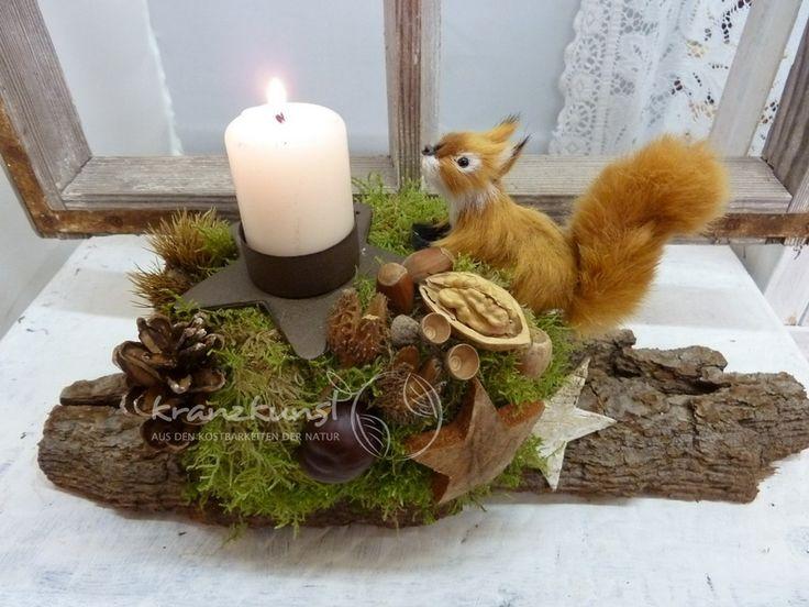 NATUR ♥Eichhörnchen♥ Adventsgesteck auf Baumborke von ♥♥ kranzkunst ♥♥ auf DaWanda.com