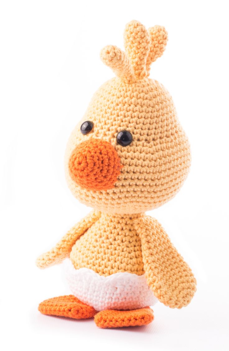 Little Bobby the chick. A special Dendennis amigurumi design for Stylecraft yarns