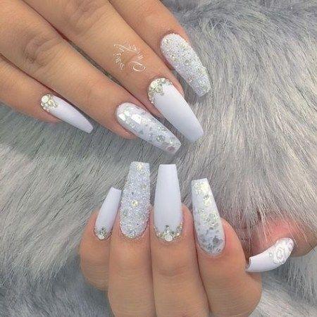 Nail Art Design mit Glitzer