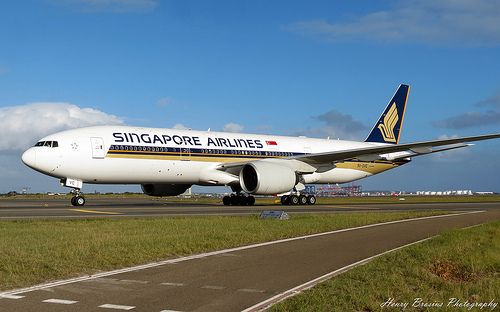Singapore Airlines - Boeing 777-212ER