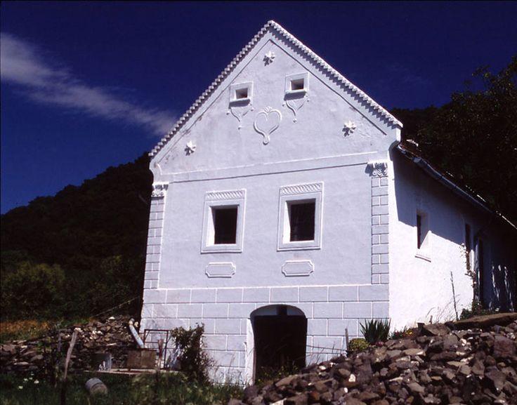 Szentbékkála - helyreállításért felelős tervező: Mérmű Építész Stúdió