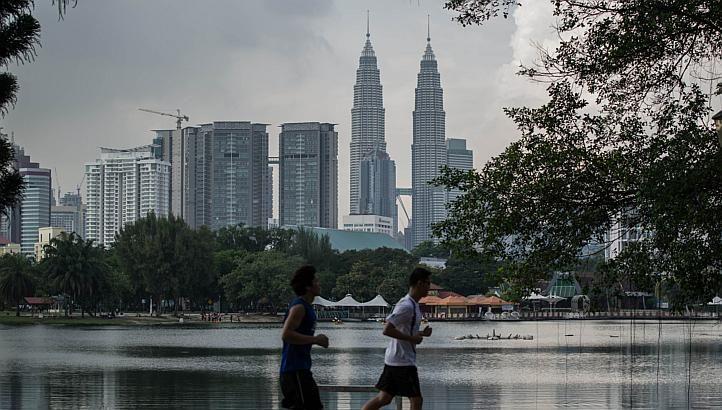 The high-speed rail (HSR) project connecting Singapore and Kuala Lumpur will have seven stops in Malaysia, namely Kuala Lumpur, Putrajaya, Seremban, Ayer Keroh, Muar, Batu Pahat and Nusajaya.