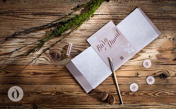 Romantic wedding invitation, wedding menu and stationery made of metallic and transparent paper / Romantické svatební oznámení, vyrobené z metalického a transparentního papíru