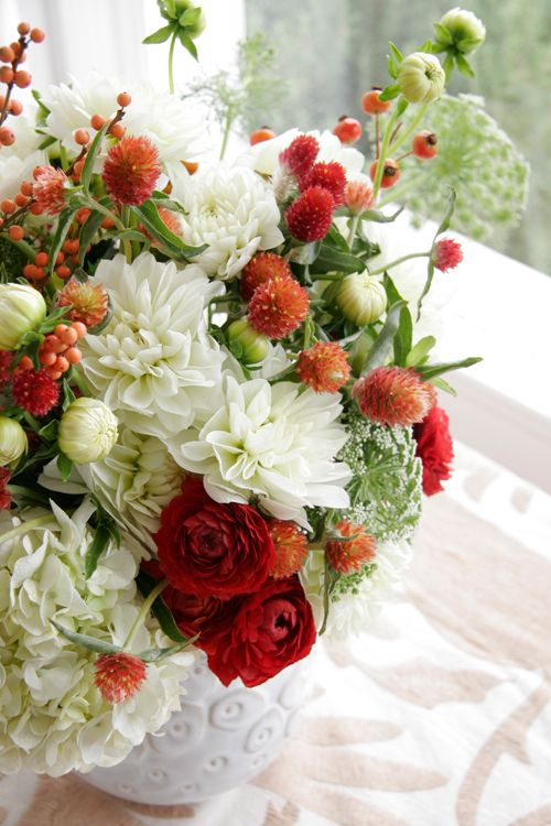 Gomphrena and white mumsRed And White, Shabby Chic Tables, Little Red, Red Flower, Bouquets, Flower Arrangements, Colors Combinations, Floral Arrangements, Centerpieces