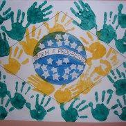 FacebookGoogle+PinterestE-mail A semana da pátria é comemorada nos dias que antecedem o 7 de setembro, Independência do Brasil e fazem parte das datas trabalhadas no calendario escolar com atividades para educação infantil. Podemos trabalhar a história da nossa independência, seus personagens e seus símbolos. É importante mostrar aos alunos ao longo da semana da pátria … Continuar lendo Novas Atividades para a Semana da Pátria – 7 de Setembro