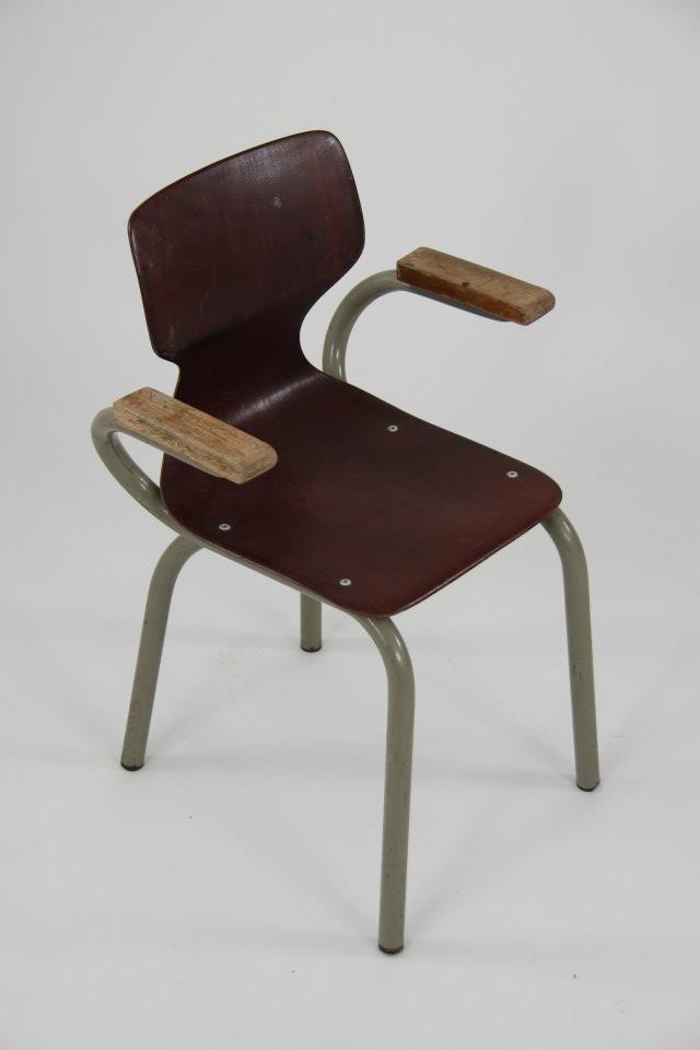 Pi di 25 fantastiche idee su chaise avec accoudoir su pinterest chaise acc - Chaise bois avec accoudoir ...